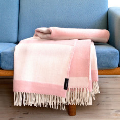 RosenbergCph wool throw in pink