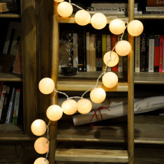 White cotton ball stringlights