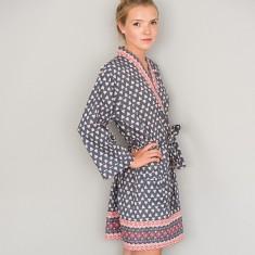 Short Kimono in Charcoal Grey Solero print