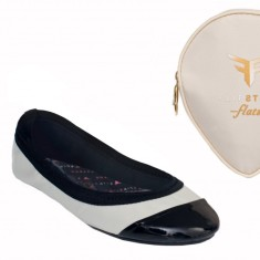 Flipsters foldable ballet flat shoes in beige/black