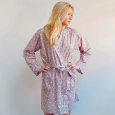 Short kimono robe in dusky pink swallows print