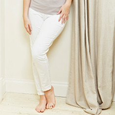 Skinny stretch trousers in white