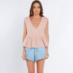 Sleeveless flow deep V peplum top