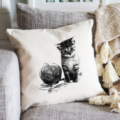 Cat with yarn cushion cover