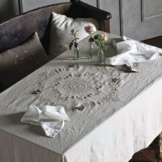 Milla linen tablecloth