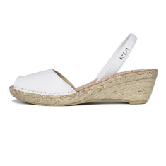 Bosc leather sandals in white