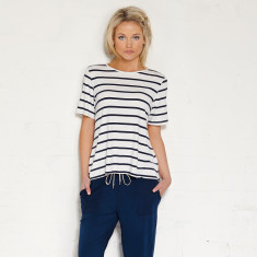 Avoca tee in cream/indigo