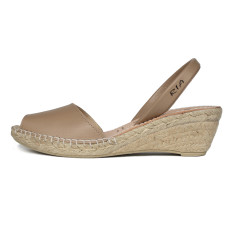 Bosc leather sandals in taupe