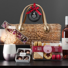 A Rosé Christmas Basket