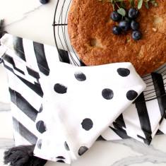 Set of 2 Spots & stripes tea towels in charcoal