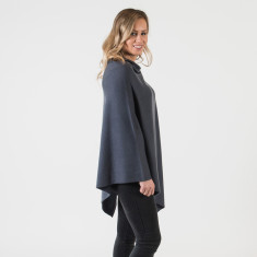 Cashmere poncho in charcoal