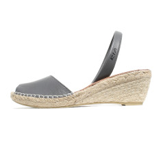 Bosc leather wedge sandals in grey