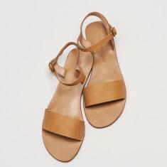 Paros sandal in tan