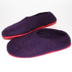 Handmade women's felt slippers in purple (various sole colours)