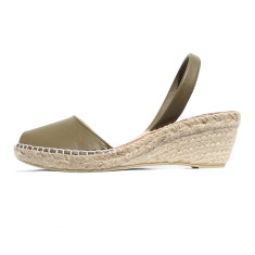 Bosc leather wedge sandals in khaki