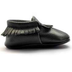 Baby moccasins in nuit noire