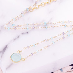 Sara central stone necklace with chalcedony