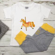 Babies t shirt and pants carousel horse set