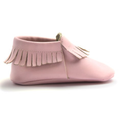 Baby moccasins in ballet rose
