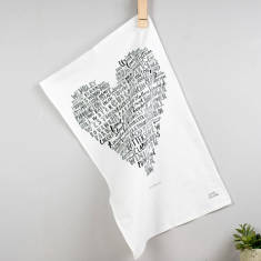 My heart belongs to London tea towel