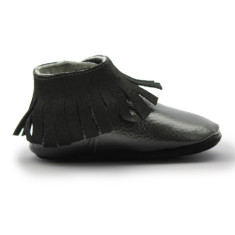 Bootie-style baby moccasins in nuit noire