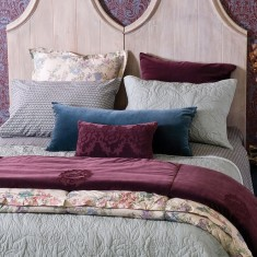 Pavone bedspread & pillows