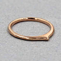 Pointy band ring