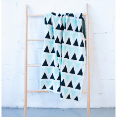 Triangle blanket in minti