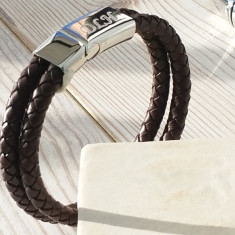 Personalised men's chestnut leather bracelet