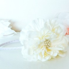 Peony hairband with pearl centre in cream