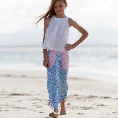 Maggie Pant In blue fan print