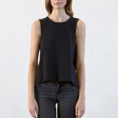 Women's basic tank in black