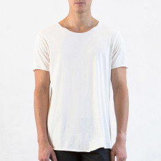 Men's long raw tee in natural
