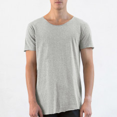 Men's raw long tee in grey marle