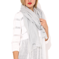 Moye cashmere stole in silver grey