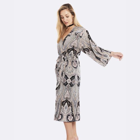 f9d93e5e36 Deshabille Pyjamas Gowns - 25 items