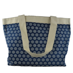 Canvas tote in geo print