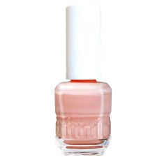 Nail polish in pillow pink
