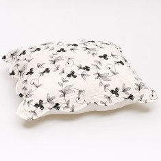 Sibelle scatter cover in black or white