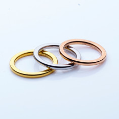 Stainless steel stacking ring set in 2mm by Torini