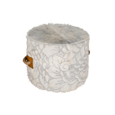 Escaño ottoman in Cascara Etch Cream