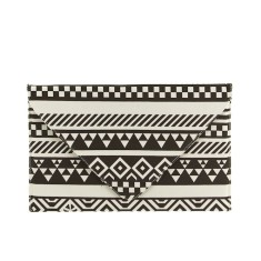 Monochrome party clutch