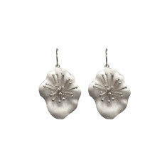 Flower earrings in silver 3D
