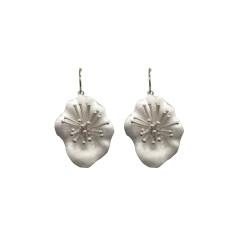 Flower earrings in silver 3D