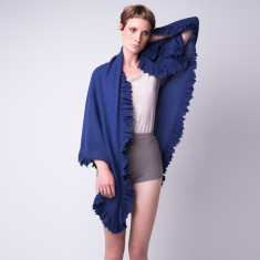 Cashmere frill triangle shawl