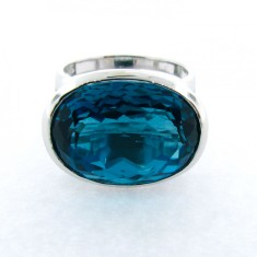 White gold London blue topaz horizon ring