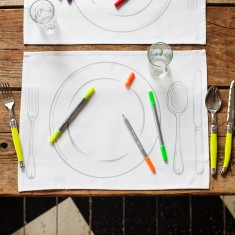 Doodle plate placemats (set of 4) with wash-out pens