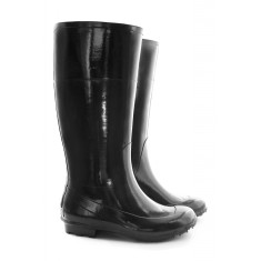Black sculputured wellies
