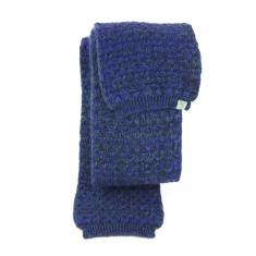 Woven woolen scarf