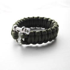 Survival Paracord Adventure Bracelet